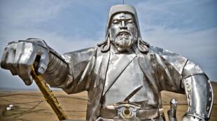 تمثال جنكيز خان للفروسية في منغوليا