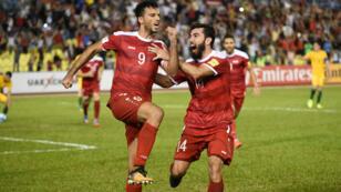 فرحة عمر السومة بعد تسجيله هدف التعادل لمنتخب سورياأمام أسراليا