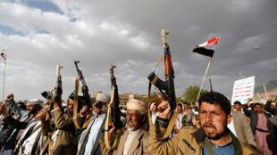 قوات موالية للحوثيين