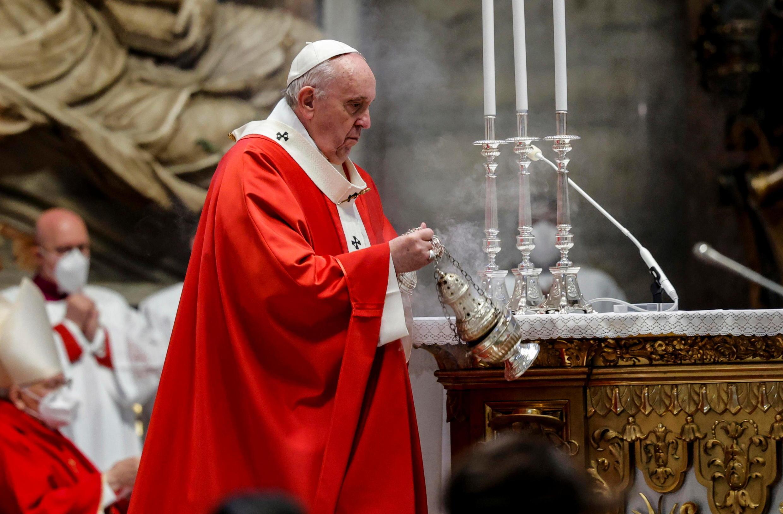 2021-03-28T132328Z_1349518995_RC2DKM93BZQ1_RTRMADP_3_RELIGION-EASTER-POPE-PALMSUNDAY