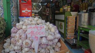 ارتفاع أسعار الثوم بسبب فيروس كورونا في تونس