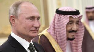 الرئيس الروسي فلاديمير بوتين والعاهل السعودي الملك سلمان