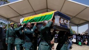 تشييع جثمان الرئيس الزمبابوي موغابي إلى مثواه الأخير