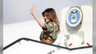 السيدة الأمريكية الأولى ميلانيا ترامب قبل مغادرتها كينيا