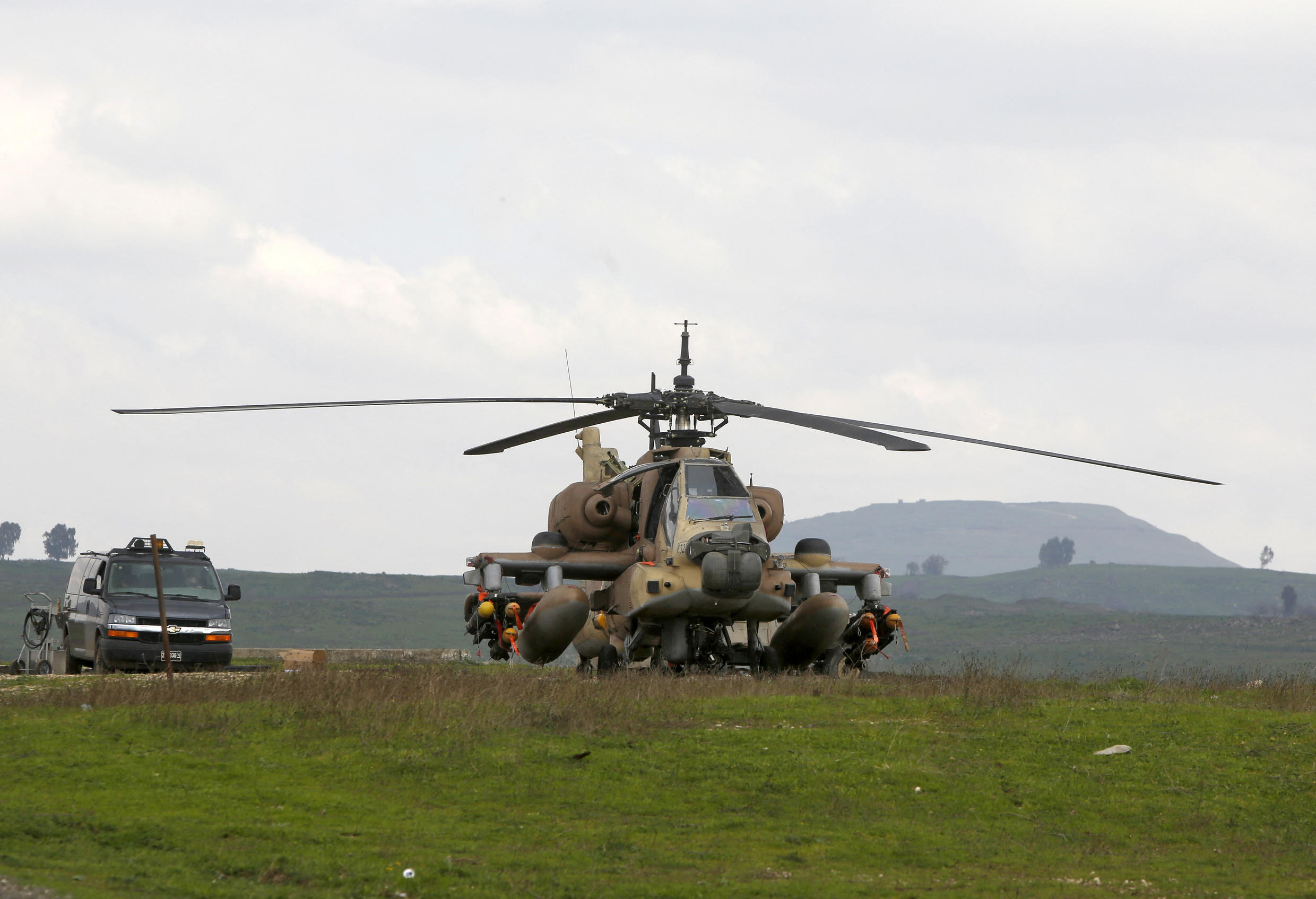 helicoptere appache israel