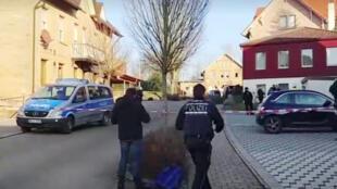 مكان حادث إطلاق النار في بلدة روت إم سي بجنوب ألمانيا يوم 24 يناير/ كنون الثاني 2020