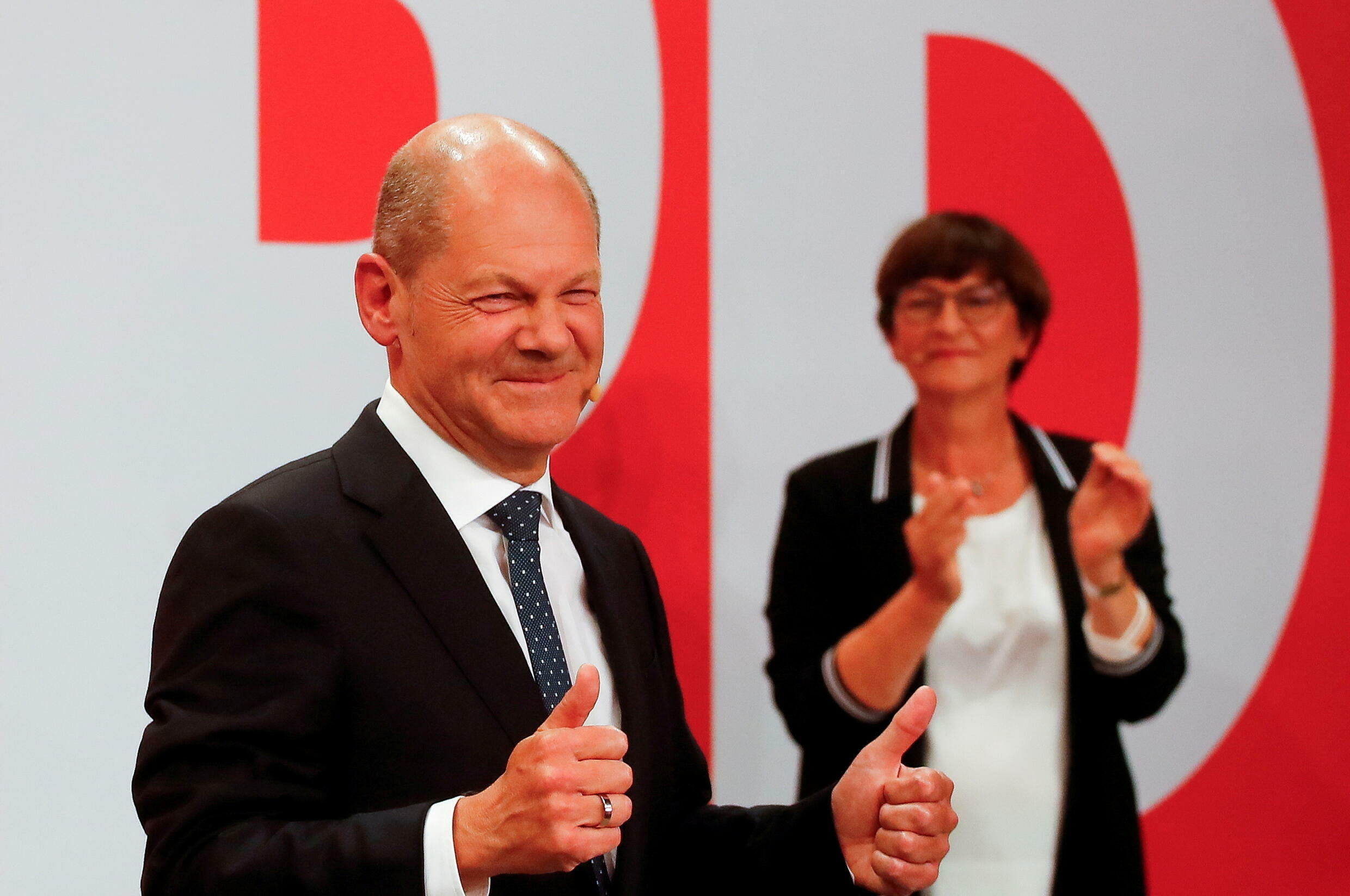 2021-09-27T043225Z_2033455328_RC24YP9EQ3UO_RTRMADP_3_GERMANY-ELECTION
