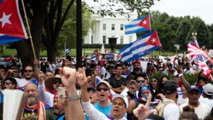 2021-07-26T193851Z_1420034242_RC2HSO95CPQ1_RTRMADP_3_CUBA-UNREST-USA