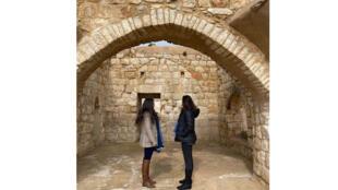 ترميم أحد المباني القديمة في فلسطين