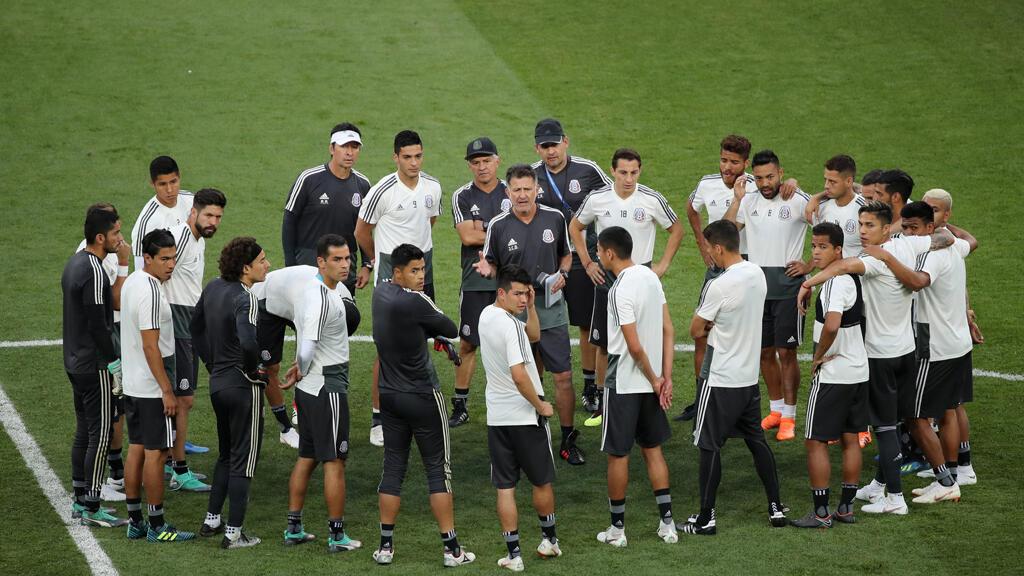 فريق المكسيك في حصة تدريبية