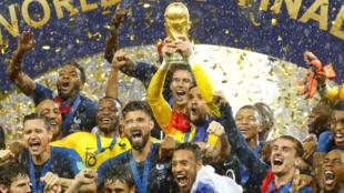 لحظة تتويج المنتخب الفرنسي بكأس العالم 2018