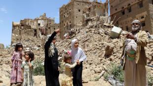 بيوت مهدمة بفعل غارات التحالف في مدينة صعدة شمال غرب اليمن (05-09-2017)