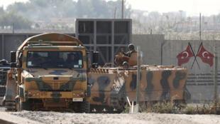 جنود أتراك على الحدود التركية السورية يوم 24 أكتوبر 2019