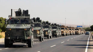 قافلة عسكرية تركية مصورة في كيليس بالقرب من الحدود التركية السورية