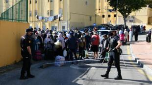 المغاربة العالقون في الحدود بين اسبانيا والمغرب