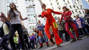 عصيان مدني راقص في مدريد بالتزامن مع قمة الأمم المتحدة للمناخ-