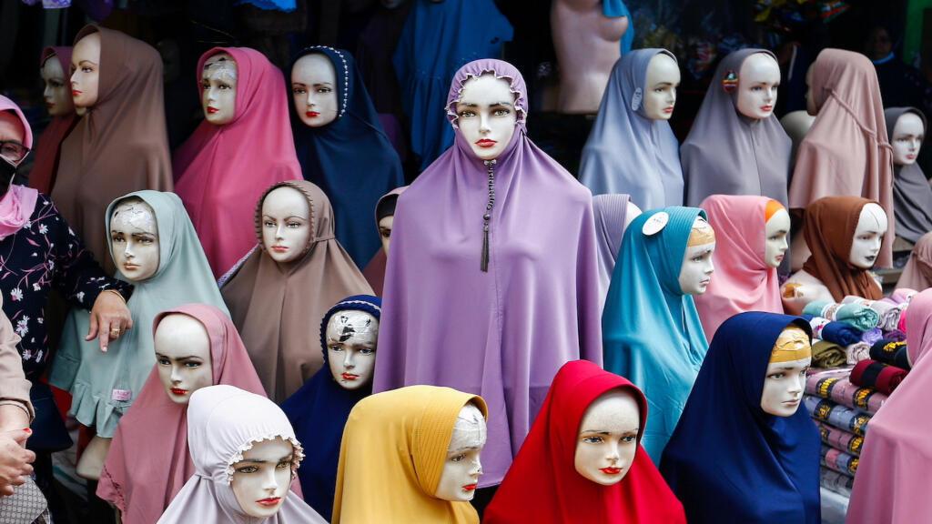 الحجاب: بين القبول والرفض