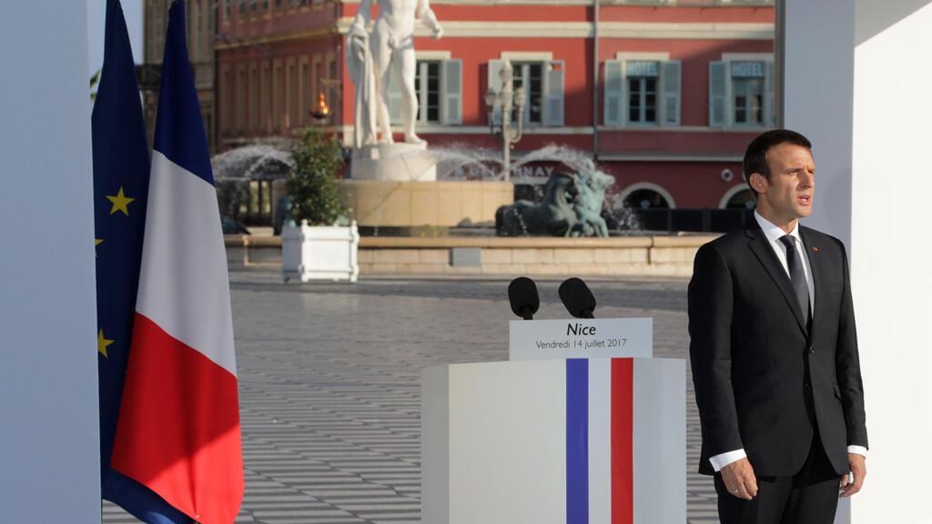 الرئيس الفرنسي ايمانويل ماكرون لدى مشاركته في تكريم ضحايا اعتداء نيس 14-07-17