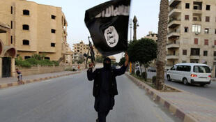 """أحد مسلّحي تنظيم """"الدولة الإسلامية"""""""