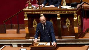 رئيس الوزراء إدوار فيليب يلقي خطابه حول الهجرة أمام البرلمان الفرنسي