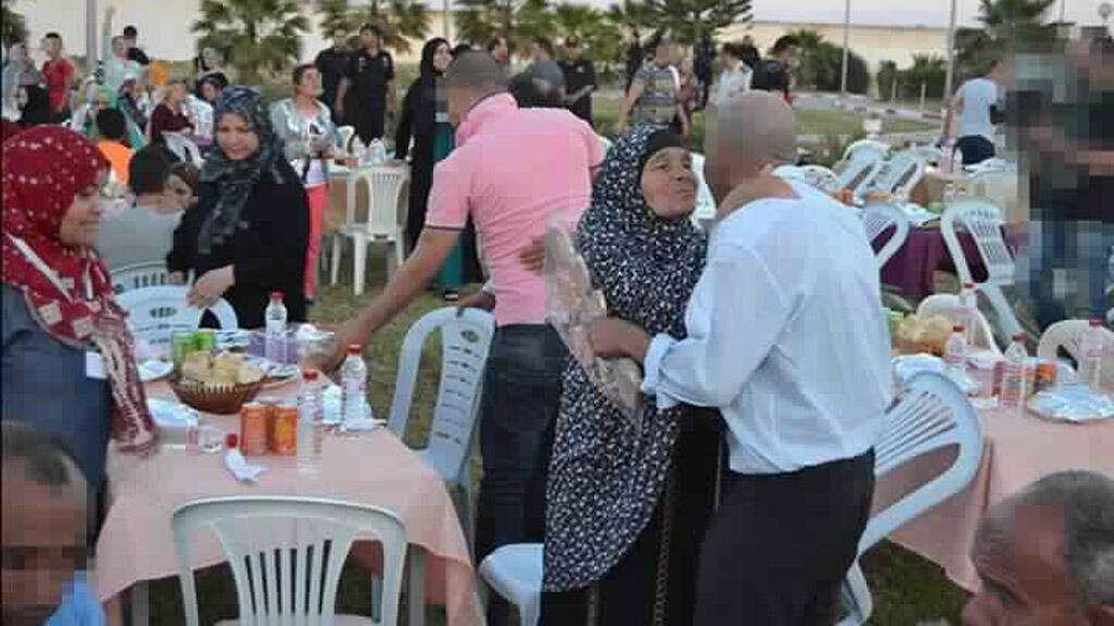 مائدة رمضانية داخل سجن في تونس
