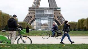 باريس خلال الموجة الثانية من جائحة كورونا
