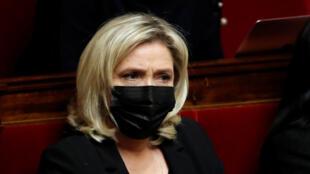 مارين لوبان في البرلمان الفرنسي