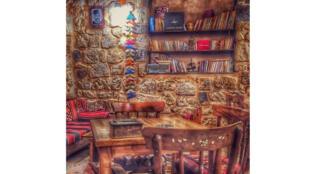 مقهى زرياب الثقافي