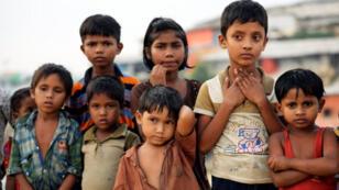 أطفال من اللاجئين الروهينجا في مخيم كوكس بازار في بنجلادش يوم الأربعاء 14 نوفمبر 2018