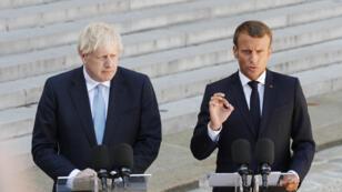 الرئيس الفرنسي يستقبل رئيس الوزراء البريطاني بوريس جونسون في قصر الإليزيه