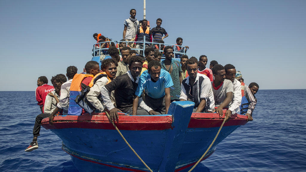 مهاجرون في البحر المتوسط