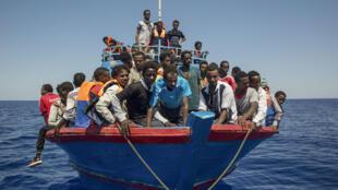 مهاجرون في البحر المتوسط قادمين من ليبيا، 08 أغسطس 2017