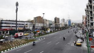 شوارع ايران تكاد تكون خالية من الحركة