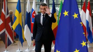 الرئيس الفرنسي إيمانويل ماكرون في بروكسل لحضور القمة الأوروبية