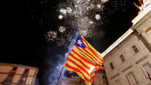 احتفالات في  برشلونة بعد اعلان البرلمان الكاتالوني الاستقلال عن إسبانيا 27-10-2017