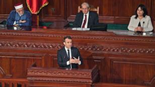 إيمانويل ماكرون يلقي خطابه أمام مجلس النواب في تونس يوم 1 فبراير 2018 ( أ ف ب)