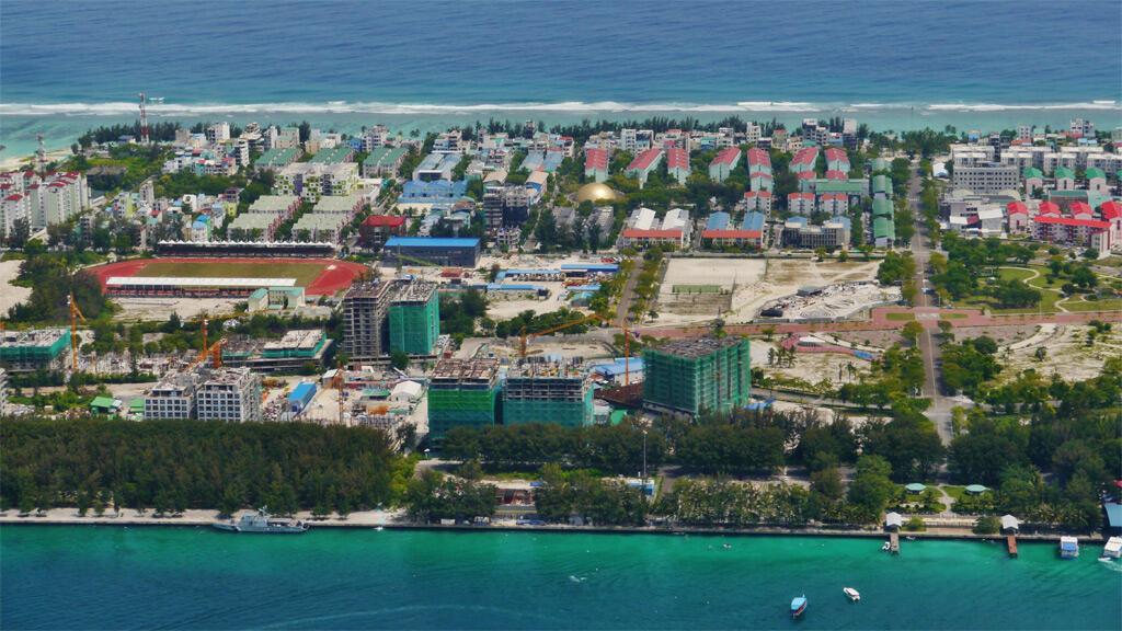 جزيرة هولهوماليه في المالديف