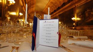 """حفل العشاء الفاخر في قصر فرساي بمناسبة تظاهرة """"مذاقات فرنسا"""""""