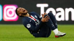 نيمار لاعب باريس سان جرمان
