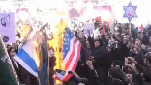 مظاهر آلاف الإيرانيين  إحياء لذكرى احتلال السفارة الأميركية