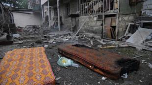 آثار القصف في منطقة قره باع يوم 4 أكتوبر 2020