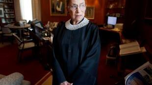 قاضية المحكمة العليا الأمريكية روث بادر جينسبرج
