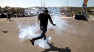 إطلاق الغاز المسيل للدموع على المهاجرين في ليسبوس