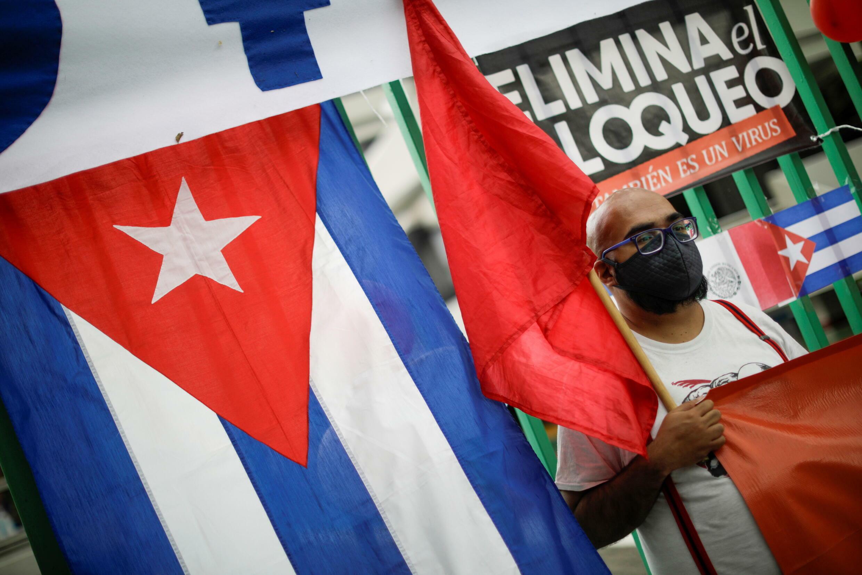 2021-07-26T230212Z_215124799_RC2GSO9VIXLB_RTRMADP_3_CUBA-REVOLUTION-MEXICO