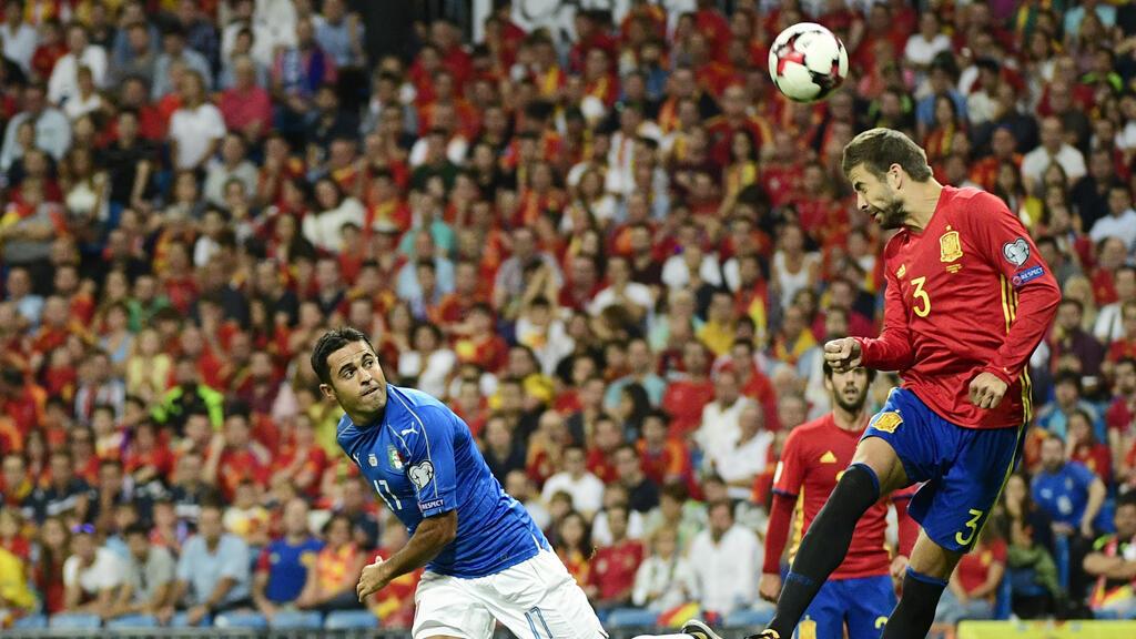 مواجهة سابقة بين منتخبي إسبانيا وإيطاليا