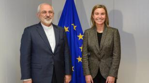 وزيرة خارجية الاتحاد الأوروبي فريديريكا موغيريني ووزير الخارجية الايراني جواد ظريف