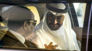محمد بن زايد والسيسي في أبو ظبي 3 أيار/مايو 2017