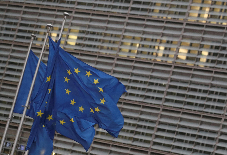 2020-12-24T174801Z_1039184639_RC2TTK9W60VP_RTRMADP_3_BRITAIN-EU-INVESTMENT-MARKETS