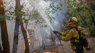 عنصر إطفاء في كاليفورنيا