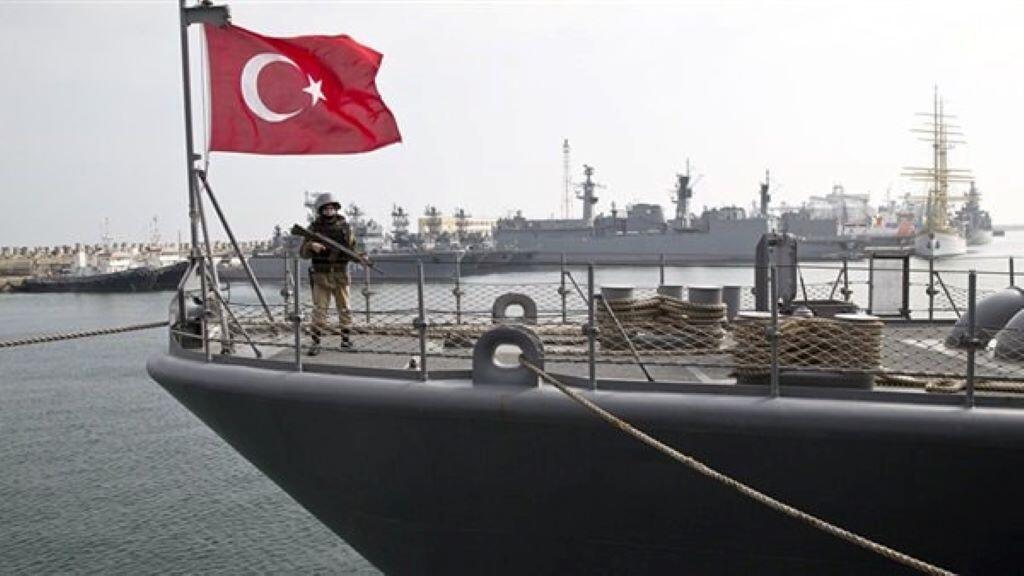 سفينة تركية في البحر الأبيض المتوسط